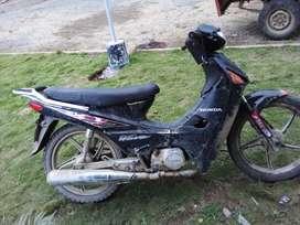 Vendo motoneta Honda . X motivo de viaje