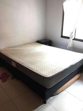 Base cama + colchon semi ortopedico 1.40x190 como nuevo