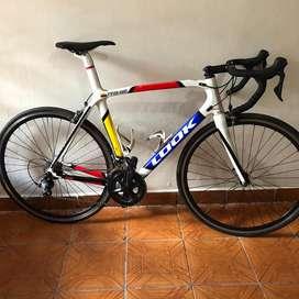 Bicicleta de ruta carbono look 596