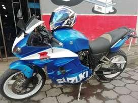 Moto Suzuki GSX750