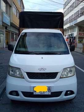 Vendo vehículo tipo Piaggio,  modelo 2014, marca Yoki, motor reparado se entrega con facturas de la reparación