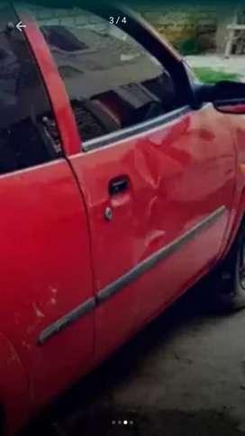 quemó hoy Ford ka 1999  en buen estado con la reprueba del gas  recién echa  Ford ka fun