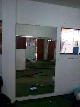 Espejos y muebles