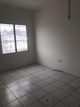 Alquilo , alquiler , renta de oficina 1 piso urdesa central