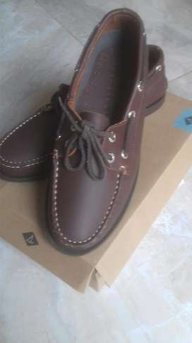 Sperry Top Sider  Cafe Buck