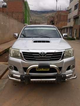 Toyota Hilux 4x4 full srv