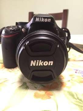 Cmara reflex Nikon D5200 como nueva