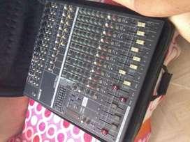 Mixer con potencia Yamaha 5014