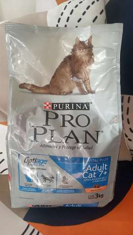 Vendo Pro Plan gato adulto +7 Optiage 3kg