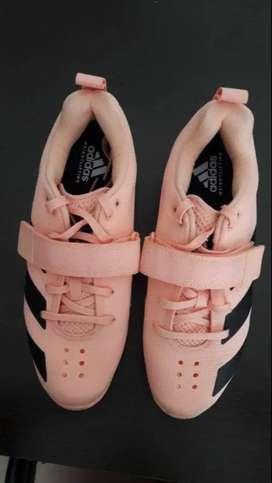 Vendo Zapatillas Adidas Femeninas Talla 40