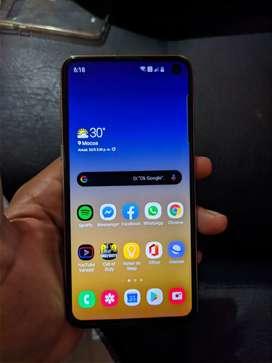 Samsung galaxy s10e como nuevo. 1.580.000 negociables