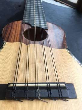 Charango Electroacústico Luthier Tony Alacia