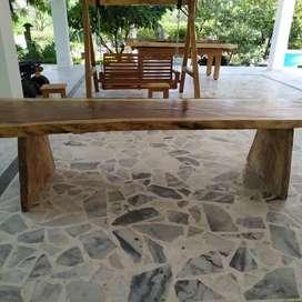 Mesa en Madera Reciclada - Piñón de Oreja