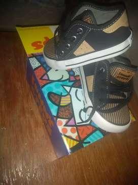 Vendo zapatillas para niño
