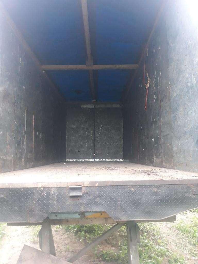 Se Vende Cajon para Camion en Buen Estad 0