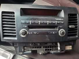 Vendo CD player original de mitsubishi lancer 08-16