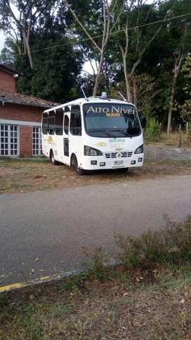 Se vende bus de alto nivel