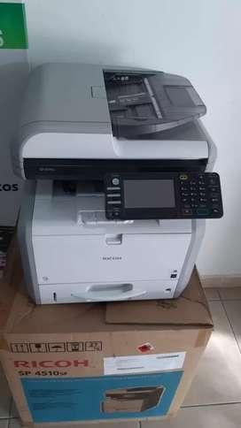 Fotocopiadoras y suministros