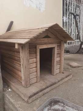 Vendo casita para perro de raza pequeña $40