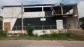 Amplio Local comercial que fue discoteca en Picota - San Martín
