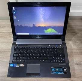 Vendo Notebook Asus N53SV Intel Core I5 excelente estado.