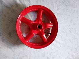 Rin delantero bws 125 color rojo en perfecto estado