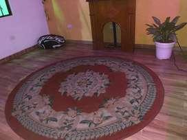 Se vende tapete bonito antiguo redondo clasico.