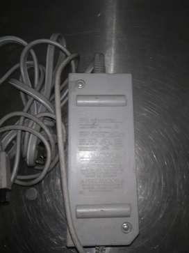 Cargador o adaptador para nintendo Wii original usado