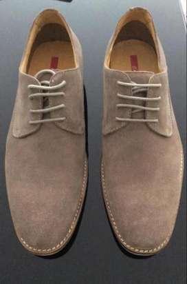 Zapatos Bosi.Nuevos.Color Beige.Talla 9