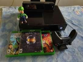 Vendo o cambio Xbox one con muchos accesorios.