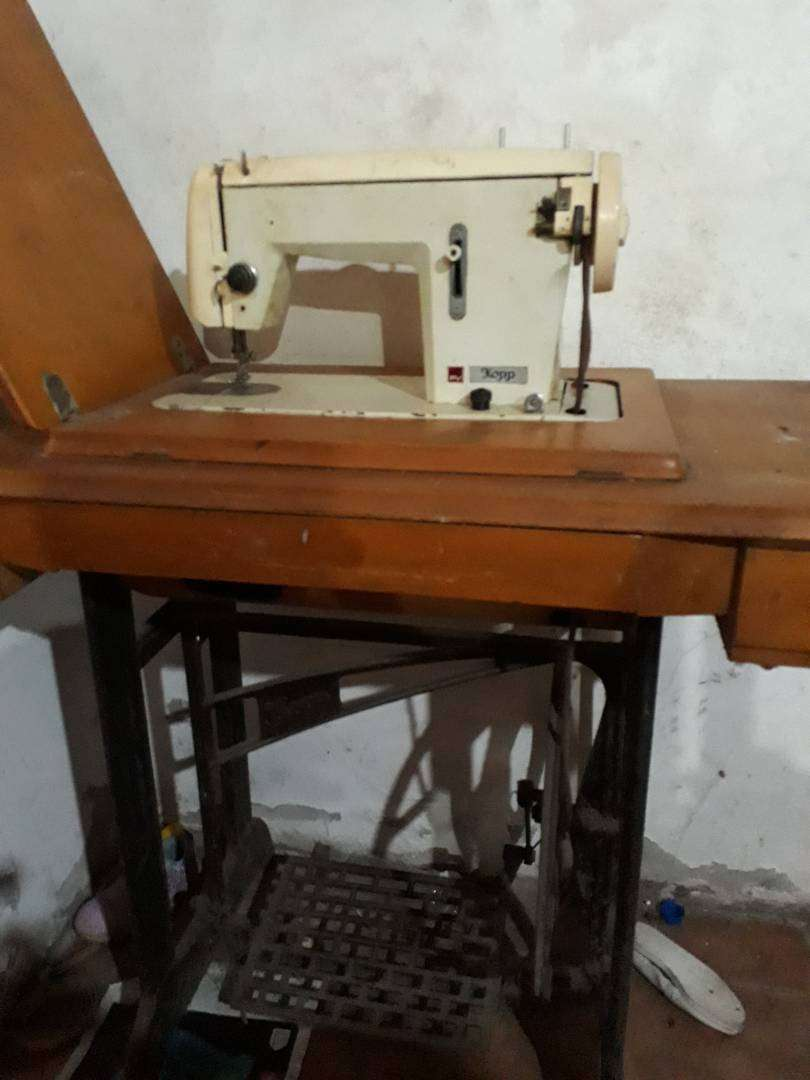 Maquina coser antigua 0