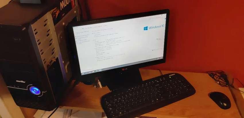 Compu i5 1tb 4GB con monitor 0