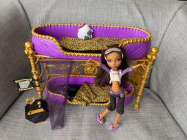MONSTER HIGH CLAWDEEN WOLF SET COMPLETO CAMA