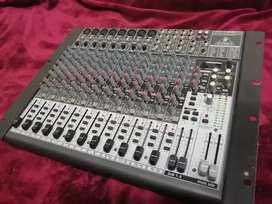 Consola de sonido behringer x2222