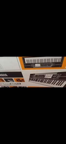 Se vende sintetizador yamahaf51 en 160 y guitarra yamaha c40 en 130