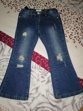 Jeans Roto para niña talla 4