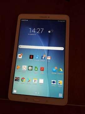 "Tablet  Samsung Galaxy Tab E 2015 SM-T560 9.6"" 16GB  con memoria RAM 1.5GB"