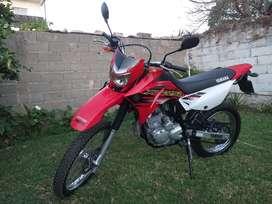 Vendo/Permuto. Yamaha xtz 250