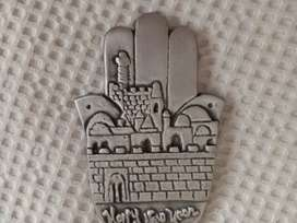 Mano HAMSA talisman usado. Logo empresa. Mide 14 cms