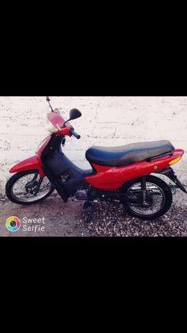 Vendo moto 110 .