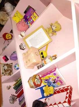 Casa de muñecas rosada