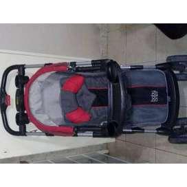 Cochecito para bebe marca BABY ONE con reclinadado para convertirse en camita, cobertor para el sol, ruedas con traba, m