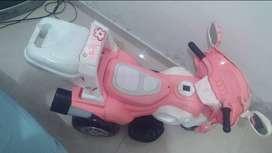 Moto a bateria de niña