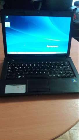 Vendo Notebook lenovo con  procesador Amd e450