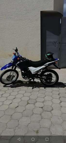 Vendo moto ranger poco kilometraje