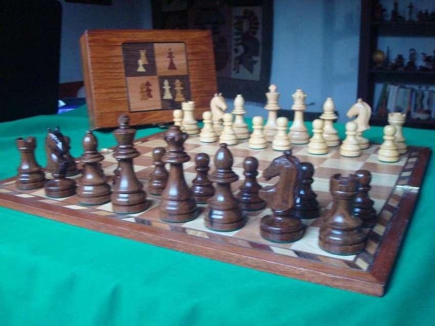 Excepcional Juego de ajedrez artesanal gigante de lujo 0