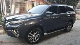 Toyota Fortuner SW4 Srv 4x4 Diesel 2020