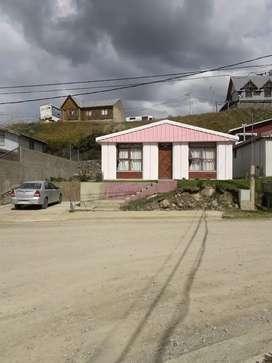 Vendo  casa de 2 dormitorios,  Excelente ubicación!!