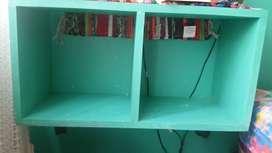Mueble Cubo con ruedas y para colgar