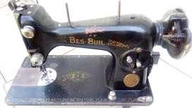 Maquina de coser Bes-Buil